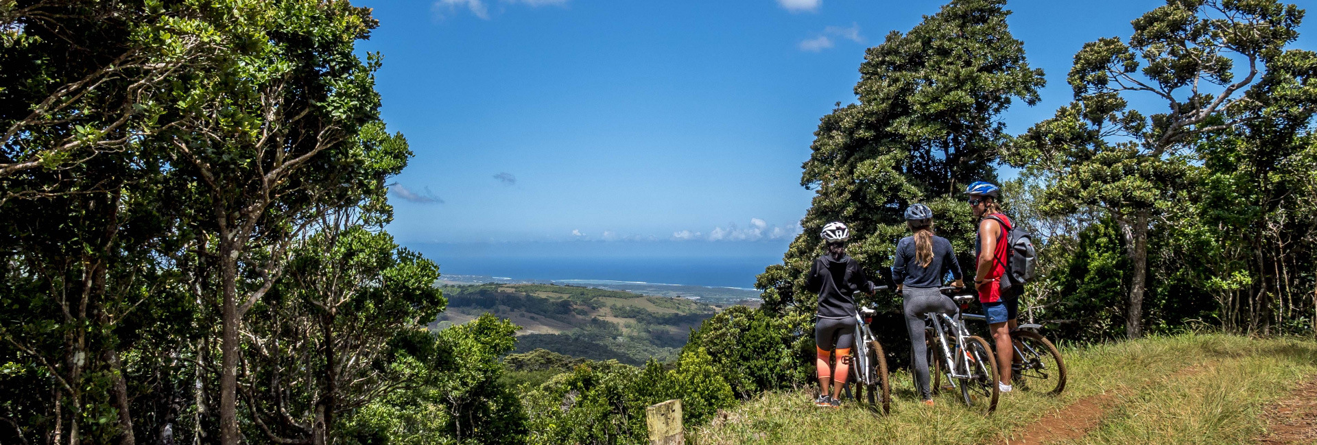 down-hill-mountain-biking-chamarel-mauritius
